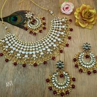 Maroon Beads With Silver Golden Diamond Style Set